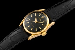 "Rolex ""The yellow gold Black Bombé ref. 6090"""