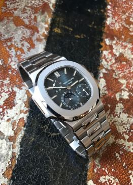 Patek Philippe The Full set steel Nautilus ref. 3712:1A 12